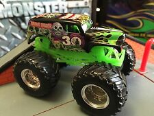 Hot Wheels Monster Jam Truck 1/64 Die-cast Metal 30th Anniversary Grave Digger