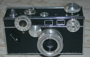 Argus C3 35mm Rangefinder Camera with Leather Case and f3.5, 50mm Cintar Lens