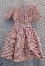 Petite robe poupée type Parisienne circa fin XIXème en bel état grenier !