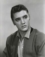 Elvis Presley UNSIGNED photo - E35 - The King of Rock and Roll