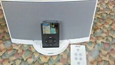 Bose SoundDock Digital Music System With Remote And Power Adapter White 30 Pins