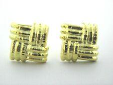 18k Oro Amarillo Detallado Cuadrado Pendientes de Clip Perforado