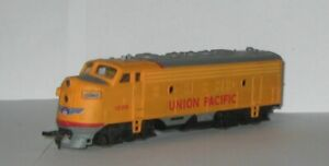 HO SCALE BACHMANN UNION PACIFIC # 1206  F9 A DIESEL POWERED LOCOMOTIVE