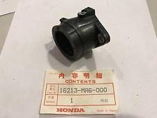 Manicotto Dx carburatore - INSULATOR, CARB.RH - Honda CBX400F NOS: 16213-MA6-000