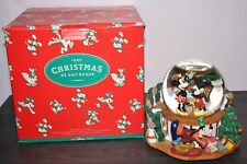 Disney MICKEY CHRISTMAS MUSICAL SNOW GLOBE 1995 AT OUR HOUSE Minnie Mouse + BOX