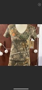 Realtree Xtra Camo Buck Deer Bow Hunting Camouflage T Shirt Top NEW Womens