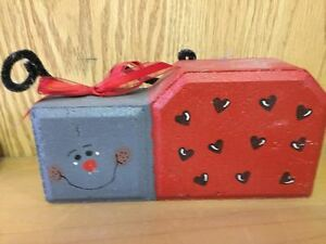 Cement Lady Bug Heart Shaped Spots Red Bow Garden Brick Stone Cement Block Paint