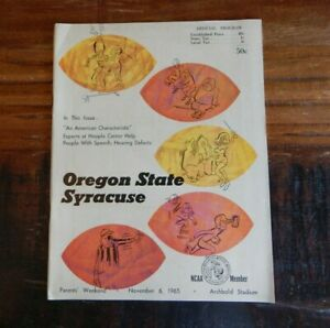 1965 SYRACUSE VS OREGON STATE COLLEGE FOOTBALL PROGRAM  LITTLE + HIGH GRADE NICE