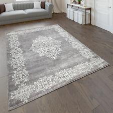 Teppich Wohnzimmer Kurzflor Mit Modernem Orientalischem Muster In Grau Weiß