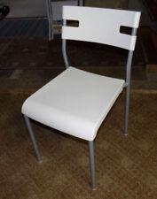 Stühle aus Kunststoff Überspannungsschutze der Teile 4
