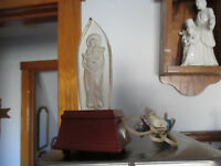"""Vintage Mary with Baby Jesus Figurine NIGHT LIGHT Clear Lucite w wood base 8"""" T"""