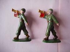 2 trompettes USA GI américains anciens soldats aluminium quiralu LR guerre 39-45