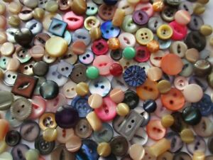 JOB LOT VINTAGE MOTHER of PEARL BUTTONS COLOURED DYED incl. CARVED SHAPED x 200