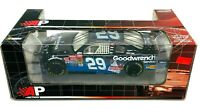 Kevin Harvick #29 GMGWS/ ET: The Extra-Terrestrial 2002 NASCAR 1:24 Diecast