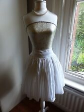 Lovely white cotton skirt from Topshop size 10, wide waistband, really flared