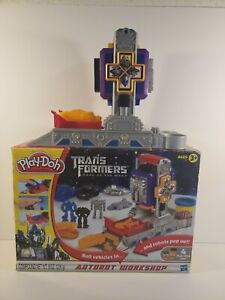 Play Doh Transformers Dark Of The Moon Autobot Workshop 2010-Not Complete!