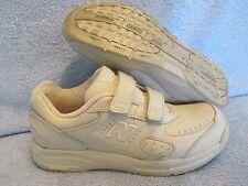 Womens Shoes NEW BALANCE 575 Size 5 1/2 2A TAN WALKING LN