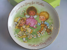 Vintage Avon Collectible Mother's Day Plate 1983 Love is a Song for Mother Box