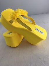 Steve Madden 90's mega platform flip flops Sandals 10 Yellow Flower NWOB