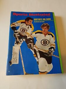 Bobby Orr & Phil Esposito & Bruins -Sports illustrated d 5/8/1972