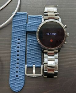 Fossil Carlyle Gen 5 - Includes 2 Fossil Bands Stainless Steel + Blue Silicone