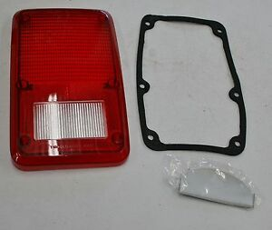 1978-93 Dodge Plymouth Van Stop Tail Turn Lens, Gasket and Divider Plate Right