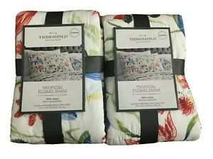 New Lot Of 2 Threshold Tropical Floral SHAMs Standard 20/'/' x 26/'/'