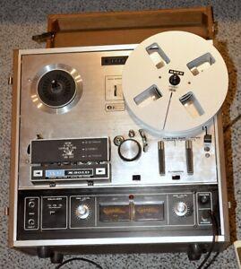 AKAI 2-Spur Stereo Tonbandmaschine X201-D vintage