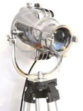 Éclairage et lampes du XXe siècle lampadaires en métal
