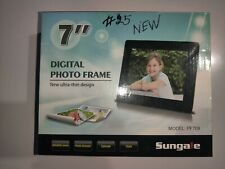 """Sungale 7"""" Digital Picture Frame Ultra Thin Design, slide or step show Brand new"""