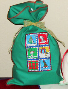 Snoopy Peanuts Woodstock Christmas Fabric Gift Wrap Wrapping Bags 5 Large