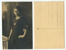 08044 - Junge Frau - Foto - 20er Jahre - Fotograf: Hans Bocks, Solingen