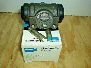 1951 1952 1953 Chevy GMC 1 1/2 to 2 1/2 Ton Truck wheel cylinder Bendix 3410 NOS
