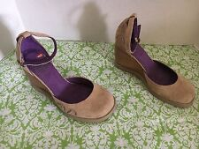 NWOB Blowfish Tan Suede Wedge Shoes With Ankle Strap Size 6