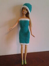 CHRISTMAS HAND KNITTED BARBIE/SINDY OUTFIT DRESS, HAT & SHOES. .