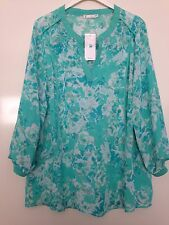 LOVELY LADIES GREEN FLORAL TOP ~ SIZE 20 ~ 3/4 SLEEVES ~ BRAND NEW