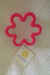 Wilton Grippy Cookie treats Cutter Flower Plastic Safe New