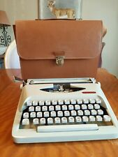 VINTAGE 1960's Royal Royalite Typewriter With Faux Leather Carry Case HOLLAND