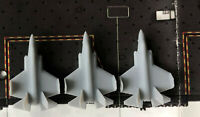 3x 1:700 USA Flugzeug F-35C Faltgeflügel mit Wasserabziehbilder Flugzeugträger