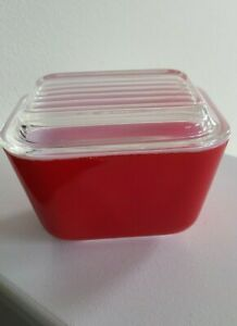 Vintage Pyrex Small Red 501 Refrigerator Dish w/ 501-C Ribbed Lid