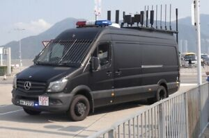 1/43 Tiny Mercedes Benz Sprinter EDO HK Police Wireless Electric Interference Ca