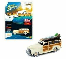Johnny Lightning 1/64 Surf Rods 1941 Chevrolet Special Deluxe Woody Jlcp7021