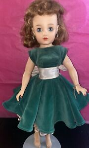 VINTAGE MISS REVLON DOLL 20 Inches By IDEAL VT-20