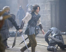 Ben Barnes UNSIGNED photo - E1304 - The Chronicles of Narnia