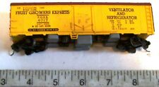 1950s Revell HO Refrigerator Reefer Car FRUIT GROWERS EXPRESS 4017 Sprung Trucks