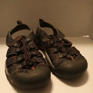Keen Newport Size US 10, Men's Sport Trail Hiking Fisherman Water Sandals 110230