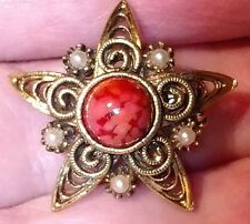 Vintage Star Brooch - Aged Gold Tone with Red Glass Focal - 1 inch