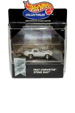 '98 100% Hot Wheels Collectibles 1967 Corvette Sting Ray (White)