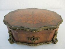 Coffret galbe boite marqueterie monture bronze cisele époque 19ème jewerly box