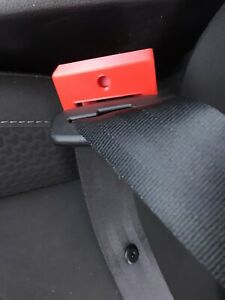Car Seat Belt Buckle Child Protect Lock Guard Baby Car Seat Secure Red Universal